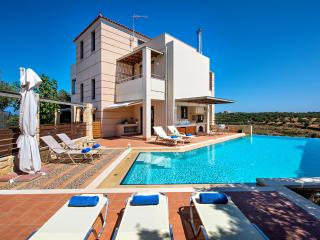 Margaret 5 bedroom villa Private pool in Stalos, Chania Town