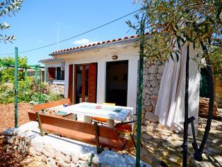House Mislav II - 47332-K1, Drvenik Mali