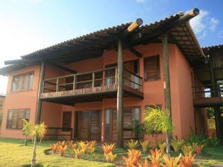 Apto 03 suites 150m2 Cond.Reserva Imbassai(F1 202)