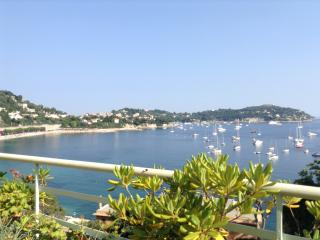 Villefranche-sur-Mer apartment with amazing sea view terrace, sleeps 3