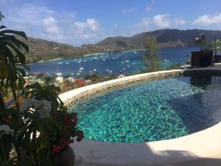 Ginger Lilly - Bequia Villa with stunning views, Port Elizabeth