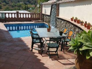 Villa Mª Dolores con piscina privada en Nerja