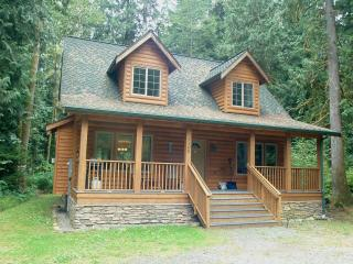#89 Cedar and log cabin close to Mt. Baker!, Glacier