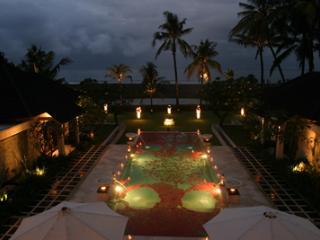 Sanur - Bali Luxury Villa Beach Front View 6 Bedrooms