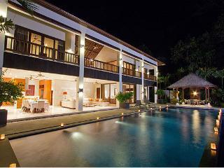 Ubud - Luxury Bali Private Villa Dewi