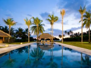 Lombok - Bali Luxury Villa Sea Breeze 6 Bedrooms, Ungasan