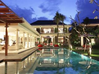 Canggu - Bali Luxury Villa Dewi Padi