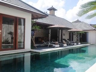 Seminyak - Bali Private Villa Esp