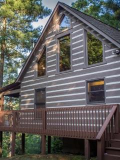 Exterior of Raccoon Lodge