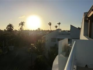 Playa Turquesa 2BR PH with great rooftop terrace!, Bavaro