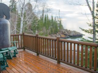 Romantic Northshore Cabin with a Beautiful Private, Beaver Bay