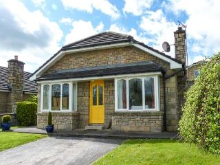 24 VILLAGE VIEWS, detached, ground floor, woodburning stove, en-suite, parking, garden, in Clashmore, Ref 923621