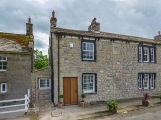 EASTBY COTTAGE, all ground floor, TV in bedroom, WiFi, near Embsay, Ref 925785, Skipton