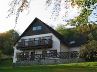 Vacation Bungalow in Medebach - 753 sqft, comfortable, friendly, quiet (# 5218)
