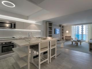 1 Hotel South Beach on Collins Ave Ocean View Ultra Modern 1 Bedroom with Balcony, Miami Beach