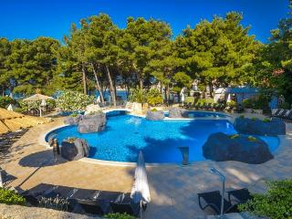 Matilde Beach Resort (2516-6428)