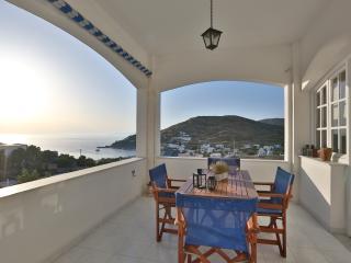 Kini Bay Two Room Apartment-Veranda & Sea View No1