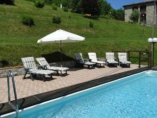 Franchi, spacious villa, private pool, mountain views, flexible changeover day!