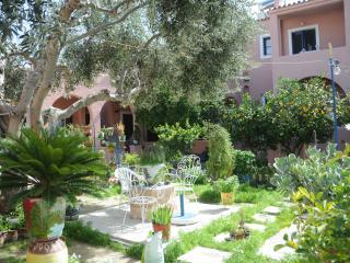 Kalokenti Studios, Egina