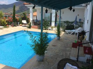 Romantic B&B with private use of pool within grounds of private owners villa
