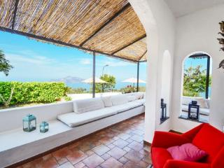 3 bedroom Villa with Air Con and WiFi - 5717390