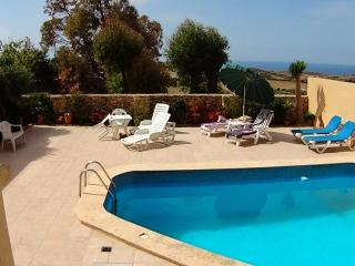Beautiful Apartment with pool, balcony & free WIFI in typical Gozitan village