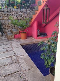 Splash pool on lower terrace
