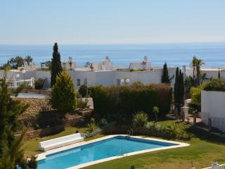 Holiday duplex apartment close to beach and golf, Benalmádena