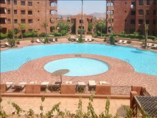 Apartment with balcony and 2 pools, Marrakech