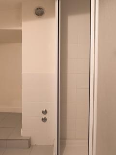Second bathroom at -1 floor