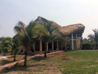 Casa Per y María, Monterrico