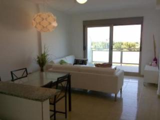Bonito apartamento con terraza y piscina, Oliva