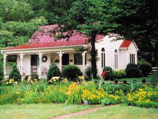 Cedar Hill cottage - perfect for 2, Charlottesville