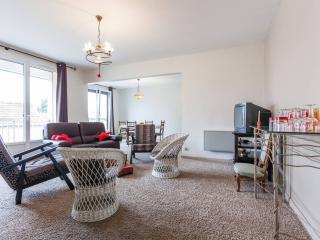 5 personnes, 4 lits, 3 chambres, 2 SdB + le calme, Tinqueux