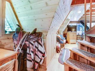 Warm and cozy riverside cabin with a jetted tub - escape to the jetted tub!
