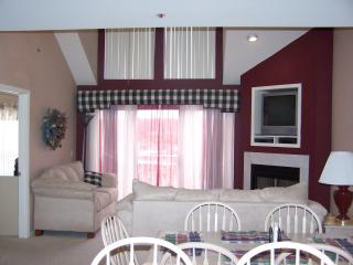 The Ledges, 2BR + Lg Loft / 2.5 BA Condo Sleeps 12