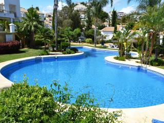 Aloha Golf Apartment,Nueva Andalucia, Golf Valley, Marbella