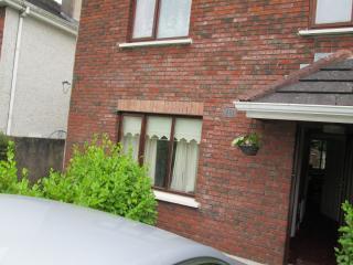 Cosy Comfortable house Close to all amenities, Sligo