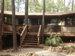Charming Cabin in the Pines near Flagstaff, Munds Park