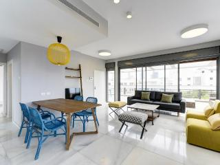 Sheinkin PENTHOUSE -4 Bedrooms-WOWW