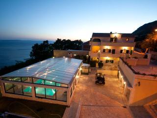 Villa Hacienda Grof Split Omis, Krilo Jesenice