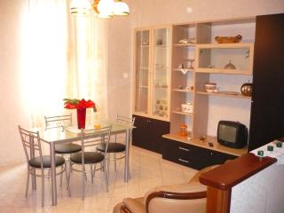 LOVELY APARTMENT 500M FROM BEACH | AP02, Poggi