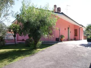 VALLEY VIEW 3 BEDROOMS APARTMENT, Diano San Pietro