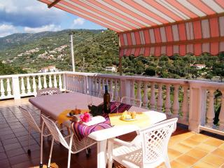 VALLEY VIEW 3 BEDROOMS APARTMENT | AP47