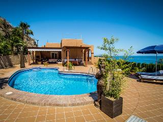 3 bedroom deluxe villa, paronamic sea views, private pool, 3.500m2 property