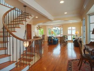 1305 A W Bay Ave - Three Story Condo - 3 Bed 2 Bat, Newport Beach