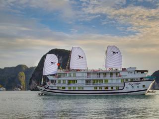 Signature Royal Cruise, Baie d'Halong