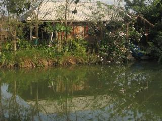 Baan Sammi Nature Resort — Lakeside Single-Room Lychee Lodge in Nature, Doi Saket