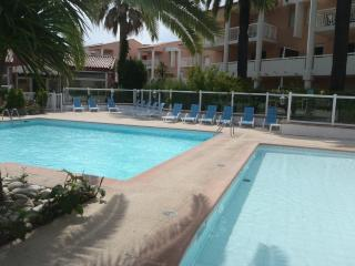 GOLFE-JUAN 4 kms Cannes Residence hoteliere OPEN