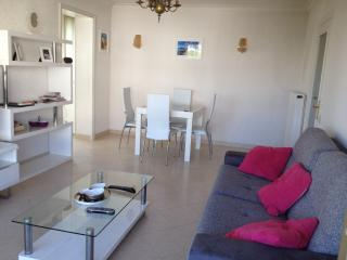 Chic flat 250 metres from beach!, Cannes